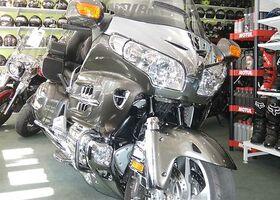 Асфальт Хонда Голд Винг, объемом двигателя 1.83 л и пробегом 22 тыс. км за 23000 $, фото 1