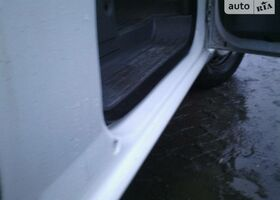 Белый Мерседес Вито, объемом двигателя 2.2 л и пробегом 150 тыс. км за 13500 $, фото 1