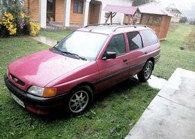 Червоний Форд Ескорт, объемом двигателя 1.6 л и пробегом 200 тыс. км за 2200 $, фото 3