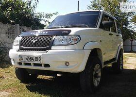 Белый УАЗ Патриот, объемом двигателя 2.7 л и пробегом 35 тыс. км за 10000 $, фото 1