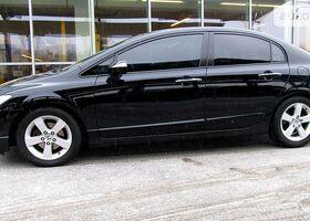 Черный Хонда Цивик, объемом двигателя 1.8 л и пробегом 106 тыс. км за 10300 $, фото 1