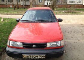 Красный Хендай Пони, объемом двигателя 1.5 л и пробегом 423 тыс. км за 2300 $, фото 1