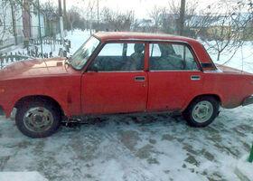 Красный ВАЗ 2105, объемом двигателя 1.5 л и пробегом 1 тыс. км за 900 $, фото 1