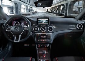 Mercedes-Benz CLA 45 AMG 2016