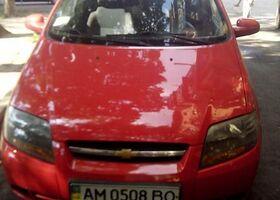 Красный Шевроле Авео, объемом двигателя 1.6 л и пробегом 250 тыс. км за 6000 $, фото 1