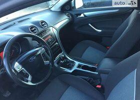 Серый Форд Мондео, объемом двигателя 2 л и пробегом 194 тыс. км за 10000 $, фото 6