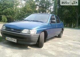 Синий Форд Орион, объемом двигателя 1.4 л и пробегом 219 тыс. км за 1999 $, фото 1