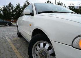Белый Ауди А4, объемом двигателя 2.6 л и пробегом 335 тыс. км за 1800 $, фото 1