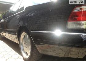 Чорний Мерседес С Клас, объемом двигателя 3.5 л и пробегом 220 тыс. км за 10000 $, фото 1