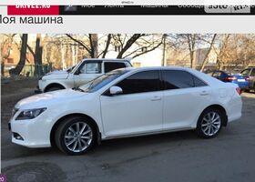 Белый Тойота Камри, объемом двигателя 2.5 л и пробегом 16 тыс. км за 25700 $, фото 1