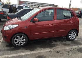Красный Хендай и10, объемом двигателя 1.1 л и пробегом 10 тыс. км за 9800 $, фото 1