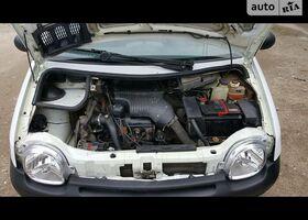 Белый Рено Твинго, объемом двигателя 12 л и пробегом 210 тыс. км за 2250 $, фото 1