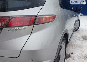 Серебряный Хонда Цивик, объемом двигателя 1.8 л и пробегом 165 тыс. км за 8299 $, фото 13