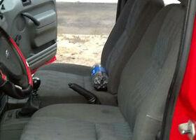 Красный Форд Турнео Коннект, объемом двигателя 1.8 л и пробегом 650 тыс. км за 6000 $, фото 9