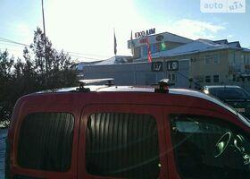 Красный Рено Кенгу пасс., объемом двигателя 1.9 л и пробегом 199 тыс. км за 3800 $, фото 1