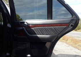 Черный Мерседес С Класс, объемом двигателя 3 л и пробегом 1 тыс. км за 10000 $, фото 1