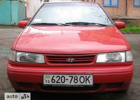 Красный Хендай Пони, объемом двигателя 1.5 л и пробегом 300 тыс. км за 2200 $, фото 1