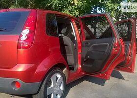 Червоний Форд Фієста, объемом двигателя 1.4 л и пробегом 55 тыс. км за 5800 $, фото 1