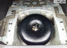 Срібний Субару Легасі, объемом двигателя 1.99 л и пробегом 300 тыс. км за 6900 $, фото 1