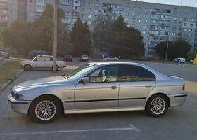 Серебряный БМВ 5 Серия, объемом двигателя 2 л и пробегом 288 тыс. км за 7500 $, фото 1