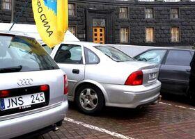 Евробляхи и закон: 5 мифов об автомобилях на литовских номерах