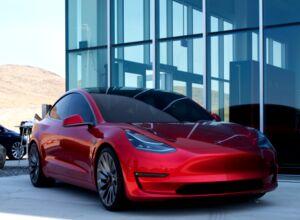 Розчарований клієнт розповів, чому він передумав купувати Tesla Model 3