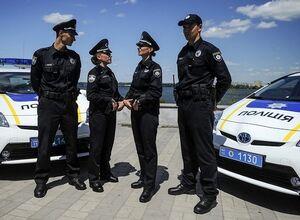 Полицейские могут остановить автомобиль на дороге только в 9 слу