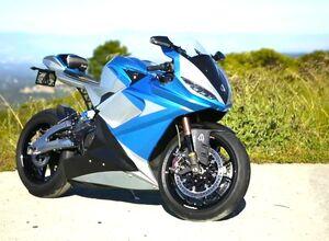 Самый быстрый электромотоцикл Lightning Motors получит запас хода 800 км