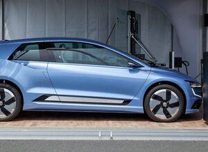 Volkswagen показал новый электромобиль и роботов-электрозаправщиков
