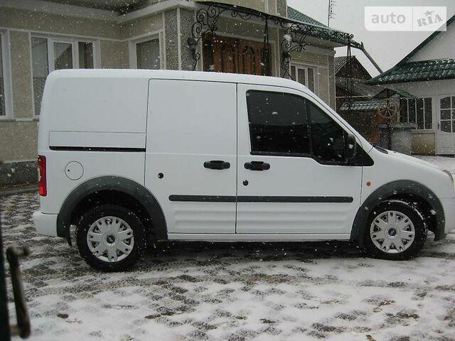Білий Форд Транзит, объемом двигателя 1 л и пробегом 190 тыс. км за 5776 $, фото 1