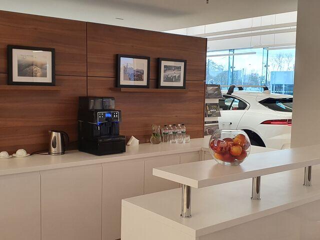 "Купити нове авто  у Харкові в автосалоні """"Авто Граф М"" Land Rover и Jaguar"" | Фото 10 на Automoto.ua"