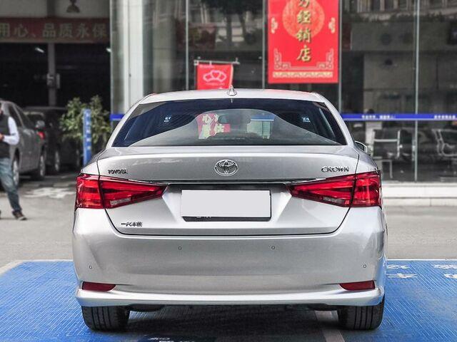 Toyota Crown 2016